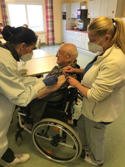 Erste Corona Impfung im Landkreis Tuttlingen